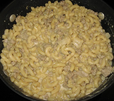 Cheeseburger Macaroni | Love recipes that can be prepared in one pot? Try homemade cheeseburger macaroni, an affordable, nutritious, and easy-to-prepare dish.