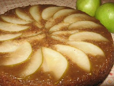 Maple syrup drizzled on pears | Try Maple-Glazed Pear Upside-Down Cake, a very flavorful cake with a lovely appearance. You'll hardly believe it's packed full of healthy ingredients!