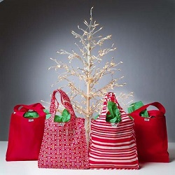 eusable grocery sacks as gift wrap