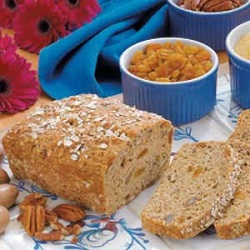 Oatmeal Bread with Raisins and Pecans