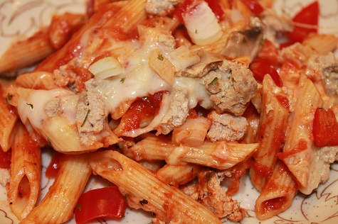 Italian Penne Bake | This family-friendly Italian Penne Bake is a treat for your taste buds, your calendar, and your budget: It is flavorful, easy to make, and affordable.