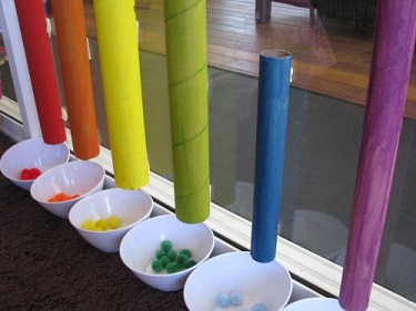 Sorting Colors with Cardboard Rolls - Learning 4 Kids