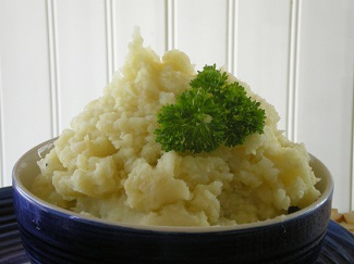 Roasted Garlic Mashed Potatoes and Cauliflower from Rita~ on food.com