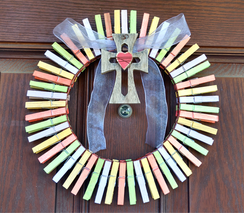 Easy Easter Clothespin Wreath